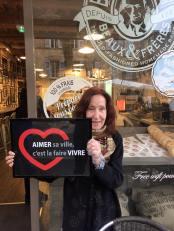 Un sourire, un accueil chaleureux chez les commerçants d'Aix-En-Provence.